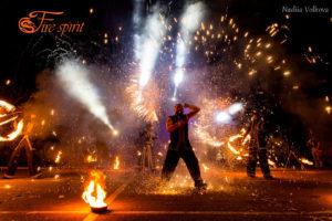 Огненное шоу 5 артистов фото