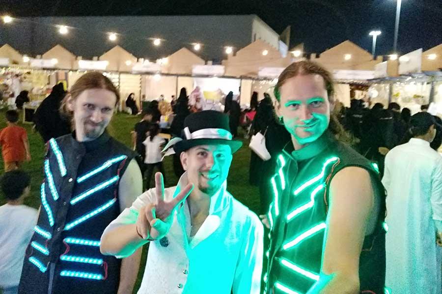 Светодиодные костюмы в Хаиле фото 3
