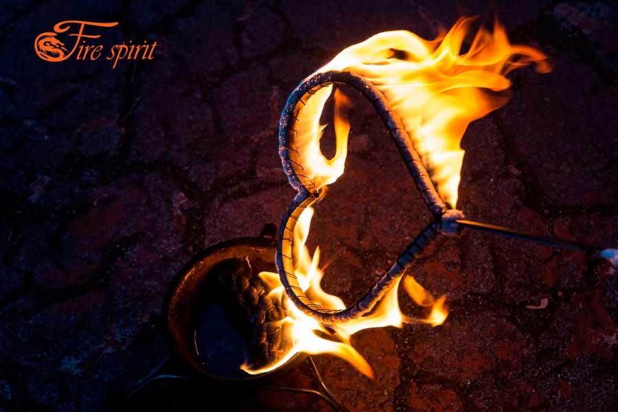 Факела в виде сердечек фото 1