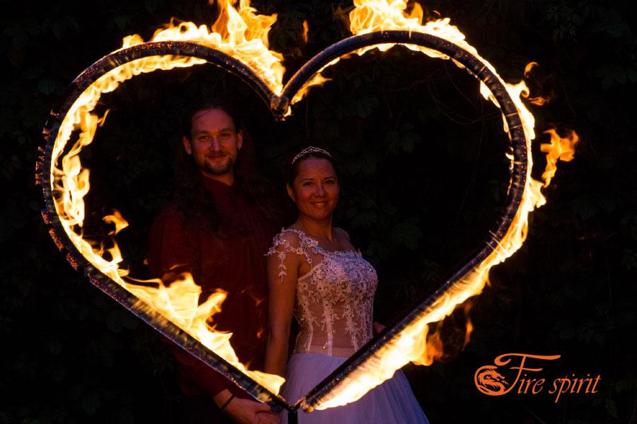 Факела в виде сердечек фото 2