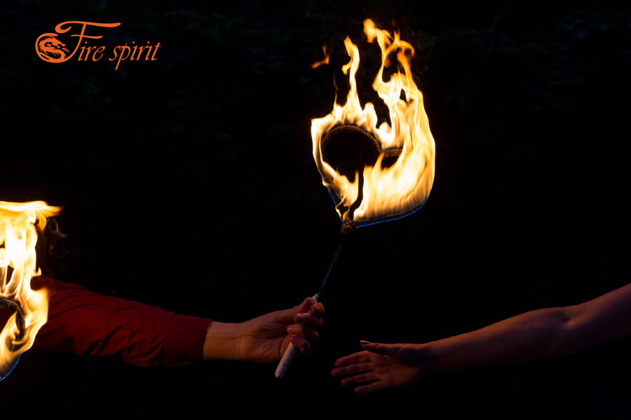 Факела в виде сердечек фото 3
