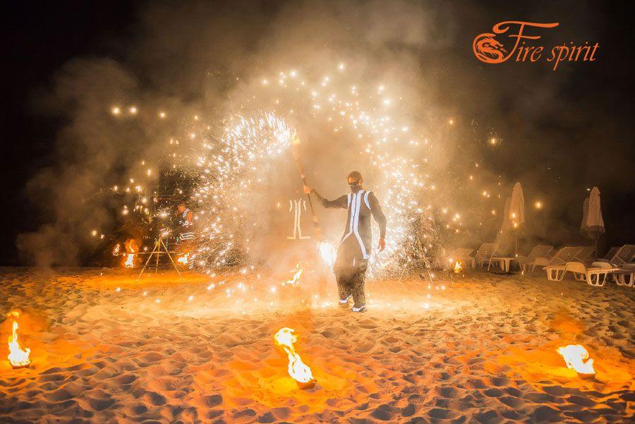 Пиротехническое шоу на свадьбу в ресторане Дача на Десне фото 3