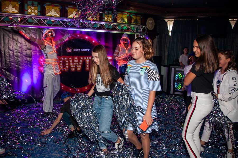 Бумажное шоу на детский праздник фото 2